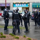 Muchos policías se resisten a vacunarse contra COVID-19 en Estados Unidos