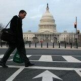"""Asesores de Trump buscan frenar daño """"permanente"""" a economía"""