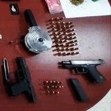 Una mujer y un hombre arrestados con crack, cocaína, marihuana, heroína y armas en Mayagüez