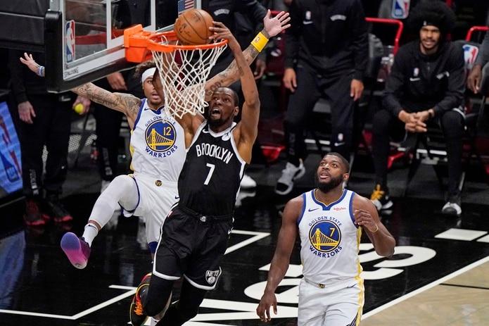 Los Warriors cayeron por 26 puntos ante los Nets en su primer juego de la temporada.
