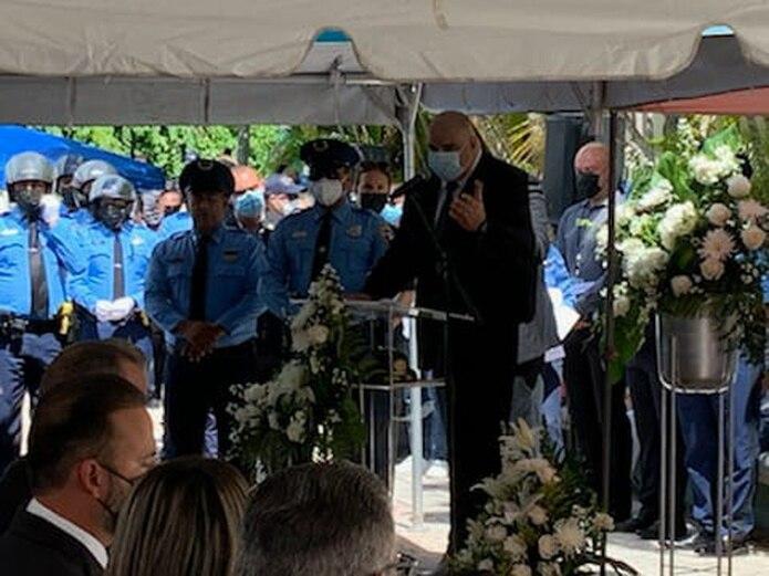 El agente Erasmo García Torres, adscrito a la Unidad Motorizada de Ponce, fue ascendido al rango de sargento póstumamente, tras ser asesinado en el cumplimiento del deber.