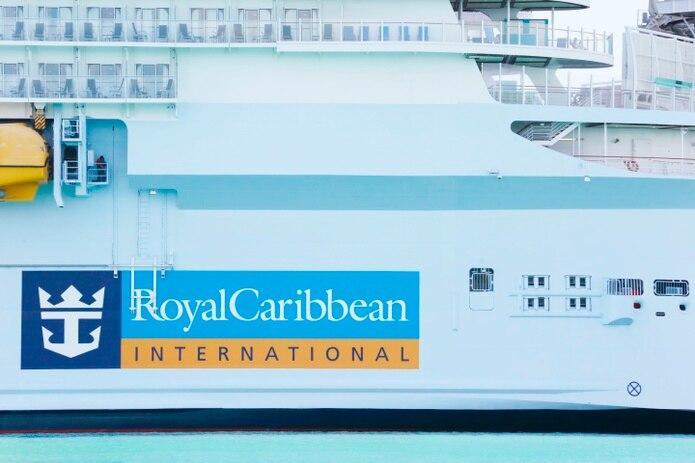 El crucero Royal Caribbean International atracado en el Puerto de  Miami.