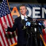 Gobernador de California supera referendo que buscaba destituirlo