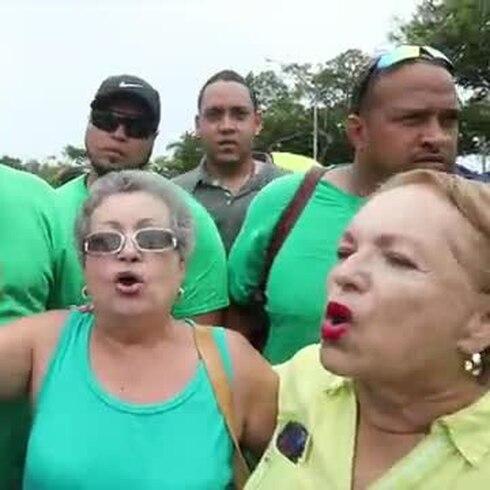 UIA protesta en Plaza Las Américas