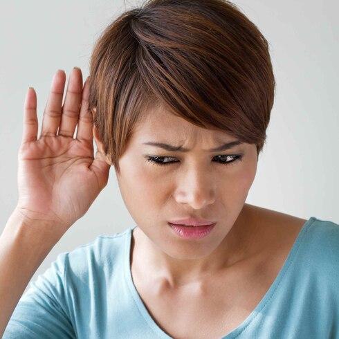 Más de mil millones de personas en riesgo de perder audición por uso inadecuado de auriculares