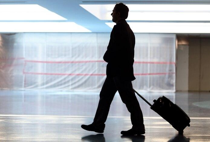 Los vuelos están cada vez más llenos y más aerolíneas planean dejar de bloquear asientos para acomodar al creciente número de pasajeros.