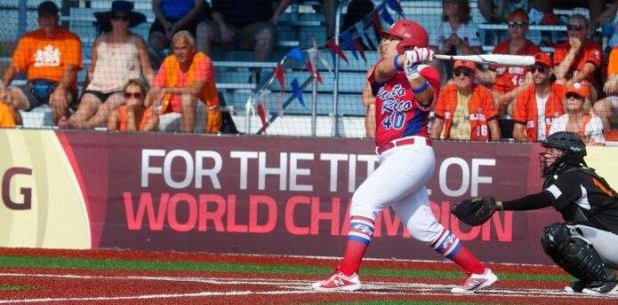 Será la tercera liga masculina de Puerto Rico que abra paso a una mujer en su torneo.  (Archivo)
