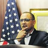 Abel Nazario renuncia a su escaño en el Senado
