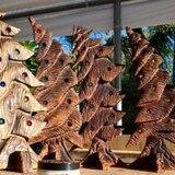 Artesano pepiniano da nueva vida a madera tirada