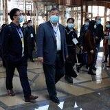 Expertos de la OMS se reúnen con sus homólogos en Wuhan