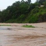 Emergencias alerta sobre carreteras cerradas por las torrenciales lluvias
