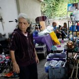 Venezolanos venden sus pertenencias para poder irse del país