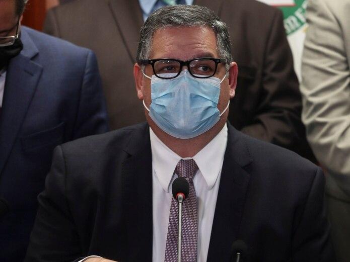 El saliente senador Aníbal José Torres.