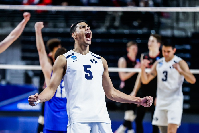 Gabriel García totalizó 14 puntos en la derrota 3-0 de BYU en la final del voleibol NCAA.