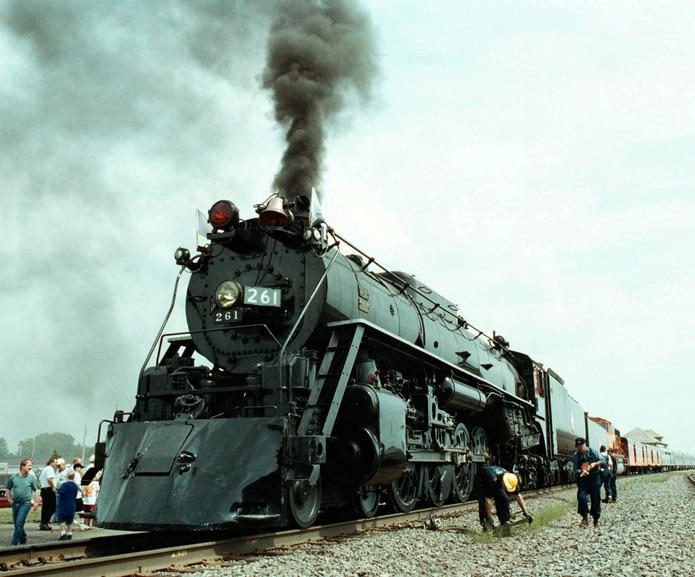 Los ferrocarriles de Atchison, Topeka and Santa Fe Railway llegaron a Lamy en 1879.