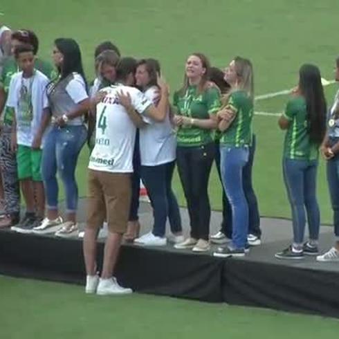 Alzan la Copa Sudamericana los sobrevivientes del Chapecoense