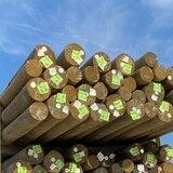 Postes de madera: una opción costoeficiente