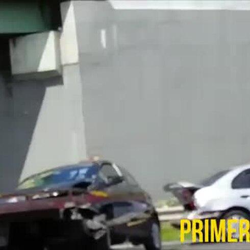 Investigan accidente entre conductora y guagua de alguaciles federales