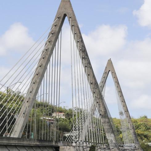 "Meten mano por la ""vida útil"" del puente atirantado de Naranjito"