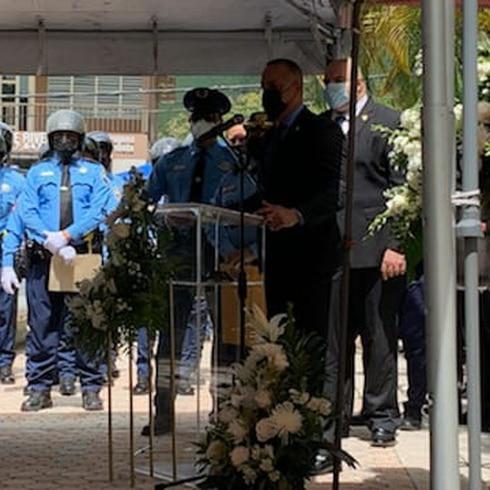Emotiva despedida al agente asesinado en Ponce