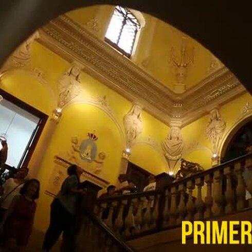 Cientos visitan La Fortaleza en la Víspera de Reyes