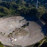 ¿Cómo cayó el radiotelescopio de Arecibo y cuáles fueron los daños?