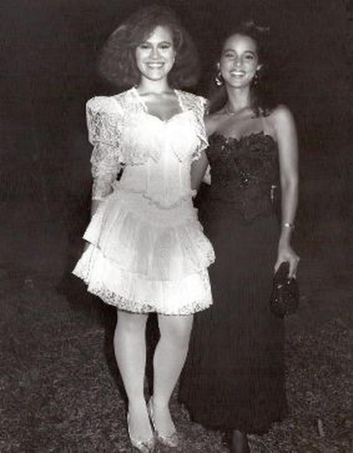 """Liza Lugo, en 1990, en el papel que considera el más importante de su carrera, """"Marilú"""", de la telenovela Aventurera, junto con la actriz Adamari López. &nbsp;<font color=""""yellow"""">(Suministradas)</font>"""