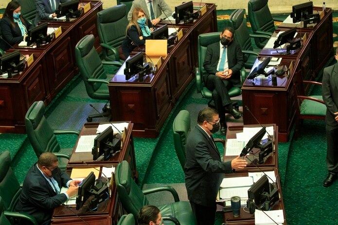El Proyecto de la Cámara 2, de la mayoría popular, deroga los artículos 200 y 247 del Código Penal.
