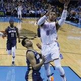 'Triple-doble' de Westbrook guía al Thunder