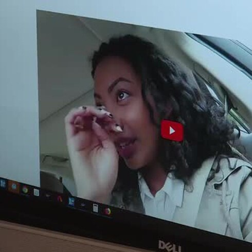 YouTube prohíbe videos que promuevan racismo y discriminación