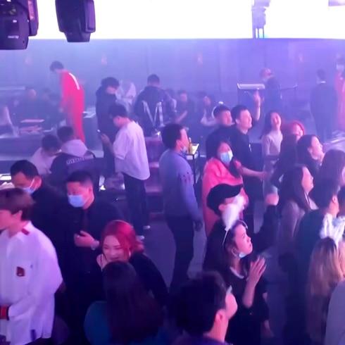 Jangueo intenso en discotecas de Wuhan