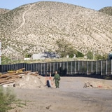 Estados Unidos otorga contrato para tramo de muro fronterizo en Texas