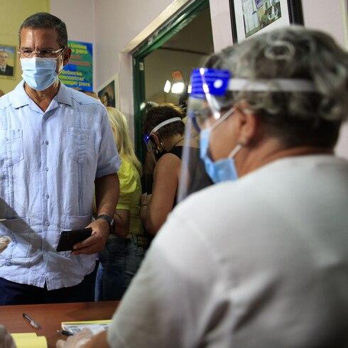 Lo que pasó cuando Pedro Pierluisi fue a votar
