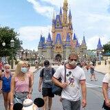 Presidente del Colegio de Médicos asegura que viajes a Disney causan la mayoría de los casos de COVID-19 en niños