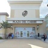 Plaza del Caribe en Ponce cerrado por falta de luz