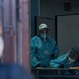 Muertes y casos de COVID-19 en el mundo disminuyen por sexta semana consecutiva