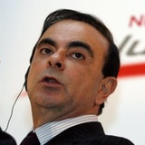 Expresidente de Nissan habría huido de Japón como equipaje en aeropuerto