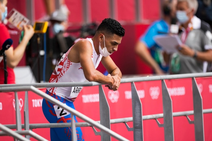El semifondista boricua, Andrés Arroyo, luce pensativo tras su actuación en las preliminares de los 800 metros de Tokio 2020.
