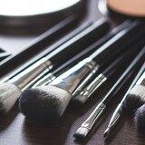 5 brochas básicas para el maquillaje diario