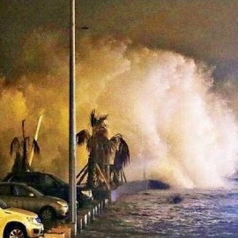 Impresionantes imagenes de enormes olas en Chile