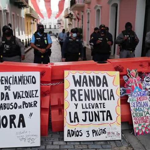 Exigen la renuncia de Wanda Vázquez frente a Fortaleza