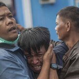 Muertos por el tsunami en Indonesia aumentan a 437