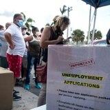 Disminuyen las solicitudes de ayuda por desempleo en EE.UU.