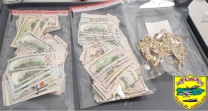 Unos $80,000 en efectivo fueron ocupados a dos hombres que no reportaron a las autoridades que transportaban esa cantidad en un vuelo comercial a Puerto Rico.