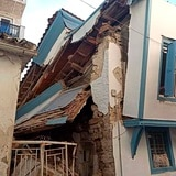 Estiman que terremoto dejó a 180 personas atrapadas bajo escombros en Turquía