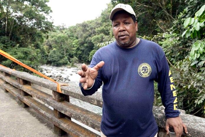Nino Correa explicó que el área frecuentada por surfers en Arecibo es peligrosa por la cantidad de rocas que tiene. (Archivo / GFR Media)
