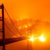 Incendios destruyen cientos de casas en noroeste de Estados Unidos