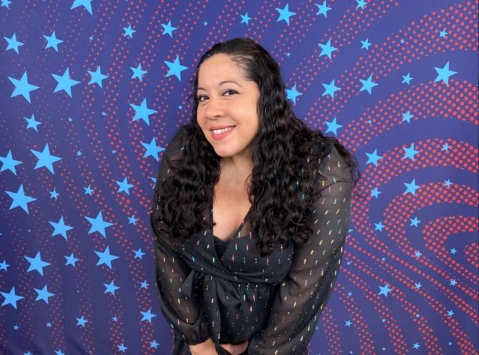 """Anoche Gina, nacida y criada en el Bronx,  basó su """"stand up"""" en su matrimonio,"""