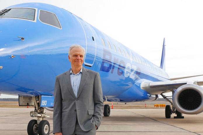 David Neeleman ayudó a lanzar la aerolínea canadiense WestJet antes de fundar JetBlue y la aerolínea brasileña Azul.