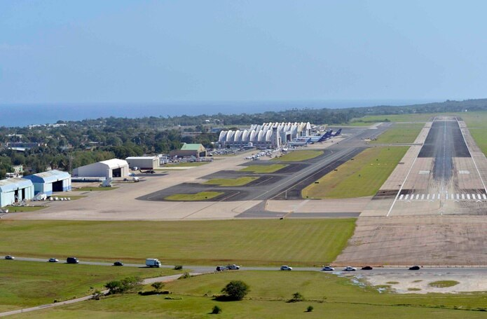Según el informe policiaco, el choque ocurrió en la calle Hangar al lado del aeropuerto Rafael Hernández en Aguadilla.